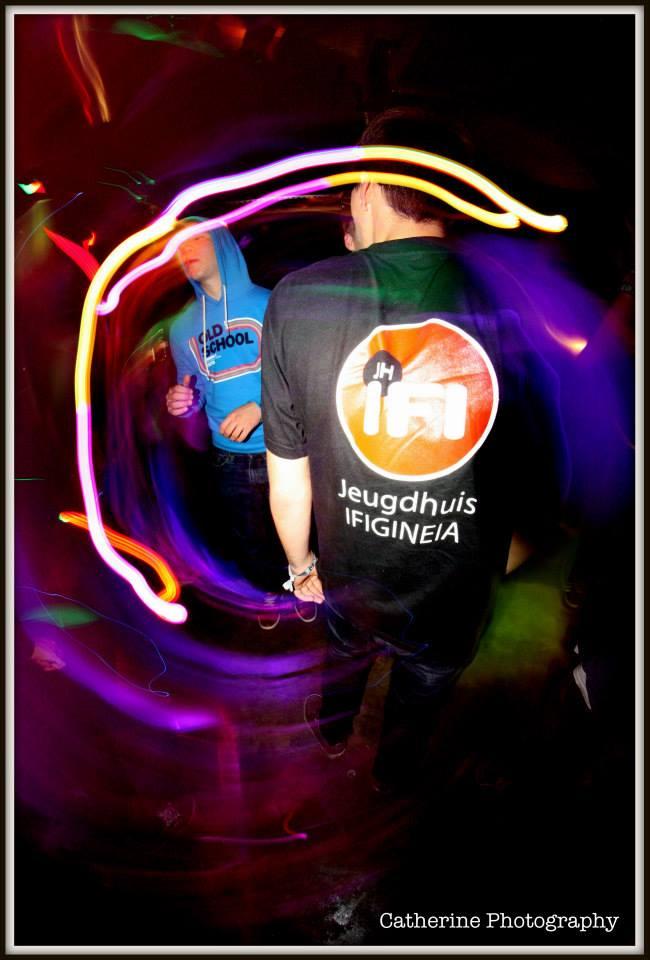 Merchtems jeugdhuis IFI viert 45 uur lang feest