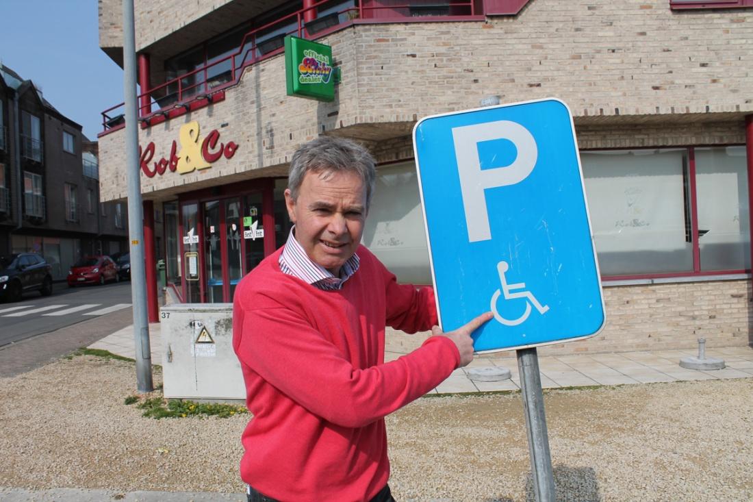 Fons Heyvaert wil meer parkeerplaatsen voor gehandicapten