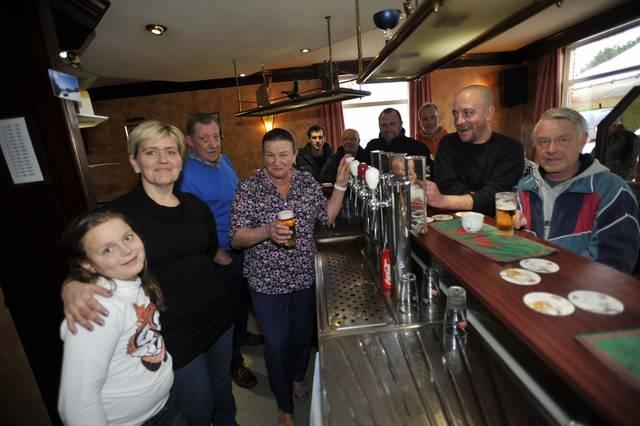 Afscheid van 'De Volle Pot' met feest voor vaste klanten