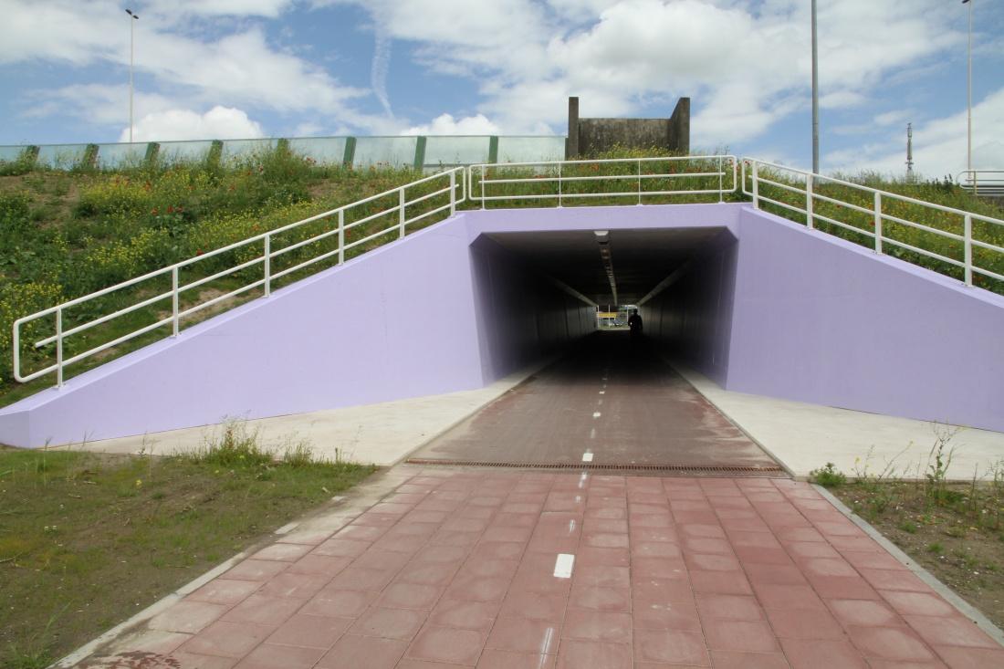 300 ton zware tunnelkoker onder de sporen in Asse