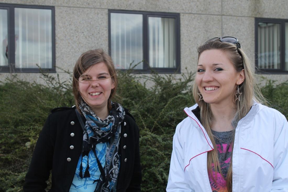 Anna en Tatiana op bezoek bij Steltenlopers
