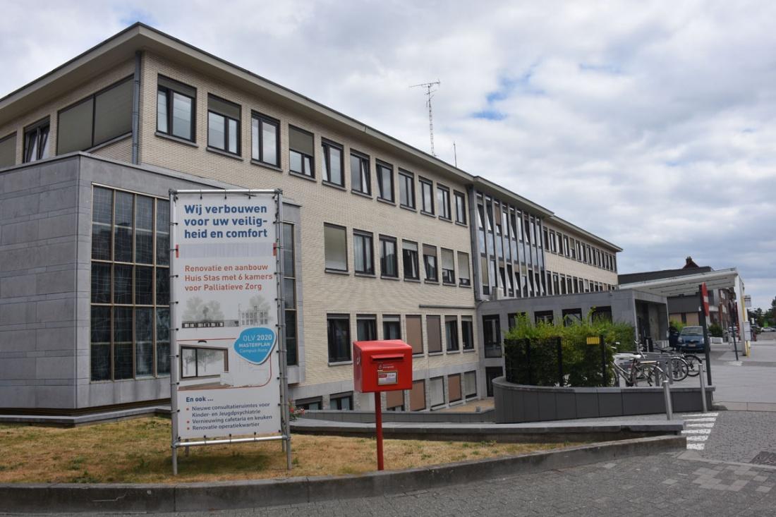 Coronatesten worden voortaan buiten het OLV ziekenhuis afgenomen