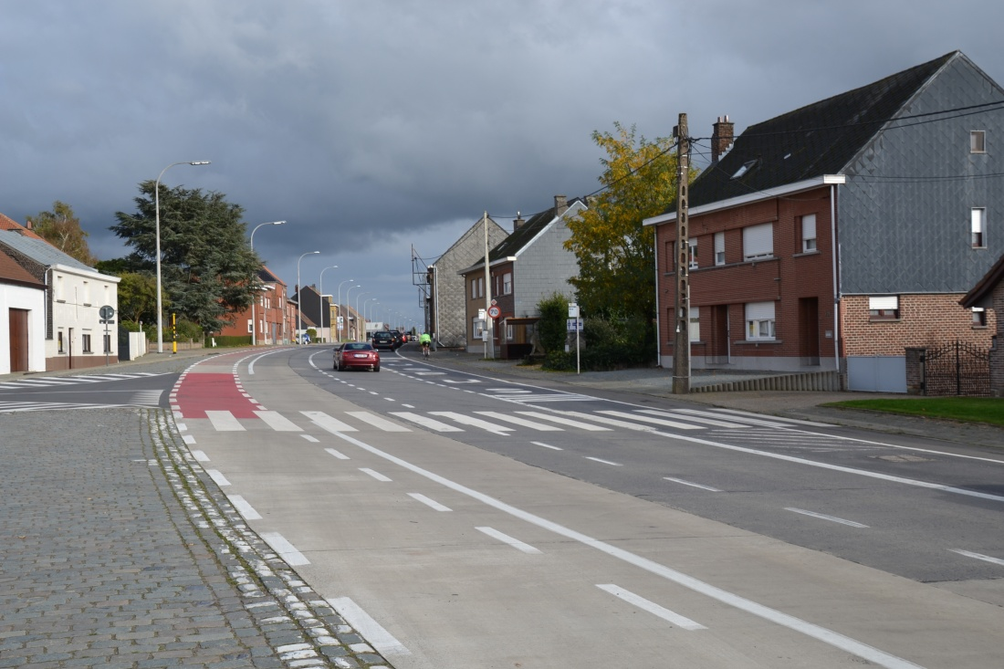 Een maand onderhoudswerken rijweg en veiligere oversteekplaatsen Gentsesteenweg (N9)