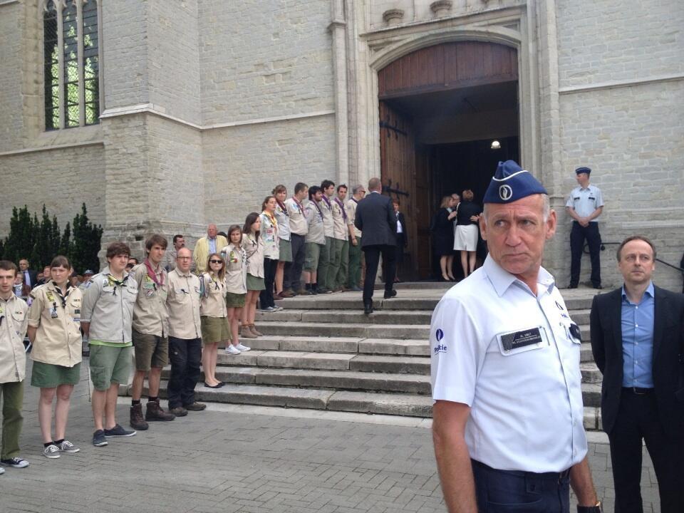erehaag scouts begrafenis dehaene