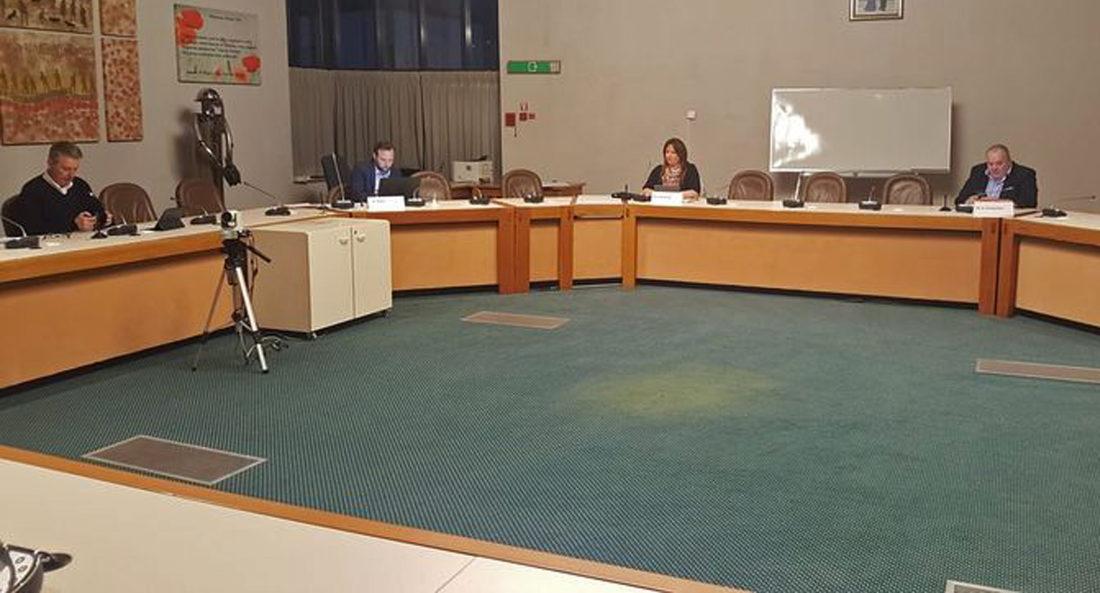 Zes raadsleden sturen gemeenteraad