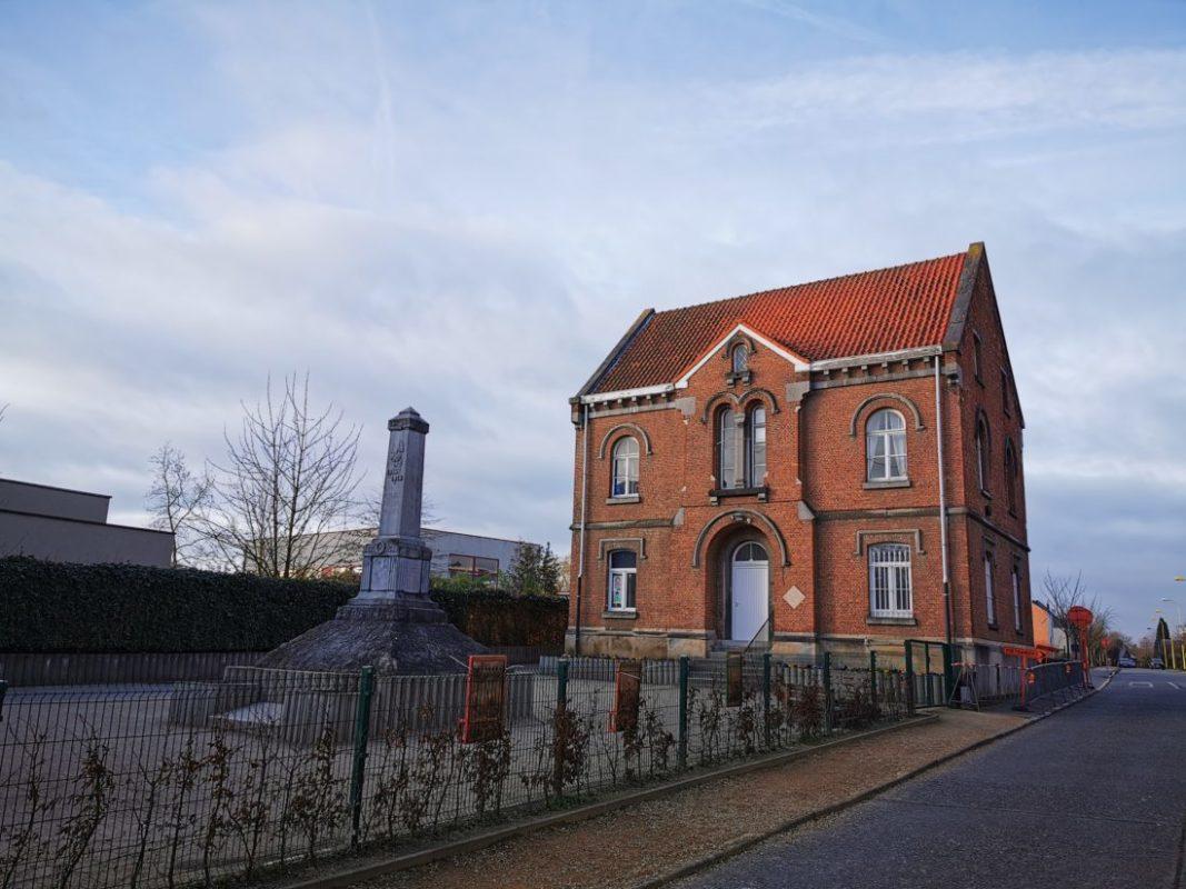Oud-gemeentehuis Beigem wordt afgebroken na instorting tijdens storm Ciara