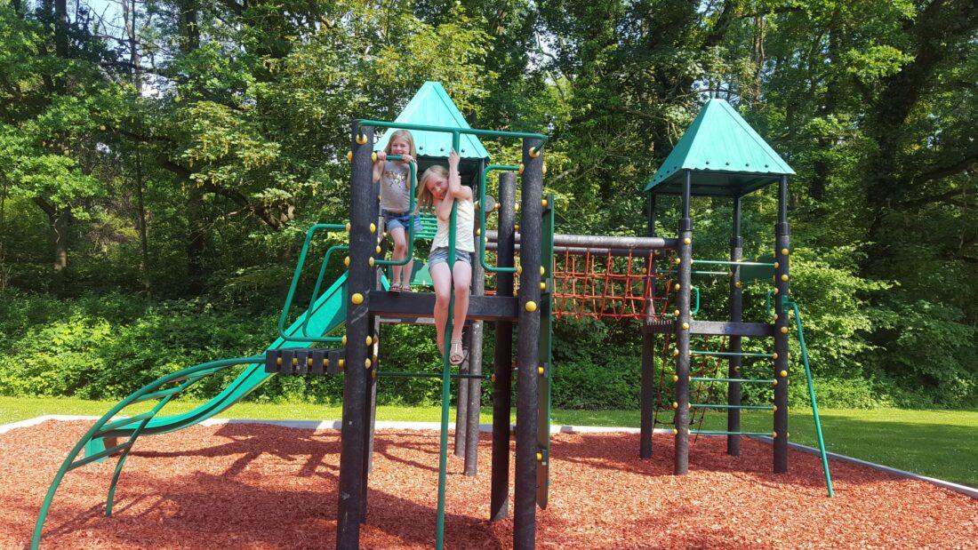 Gemeentelijke speelpleintjes open vanaf vrijdagmiddag