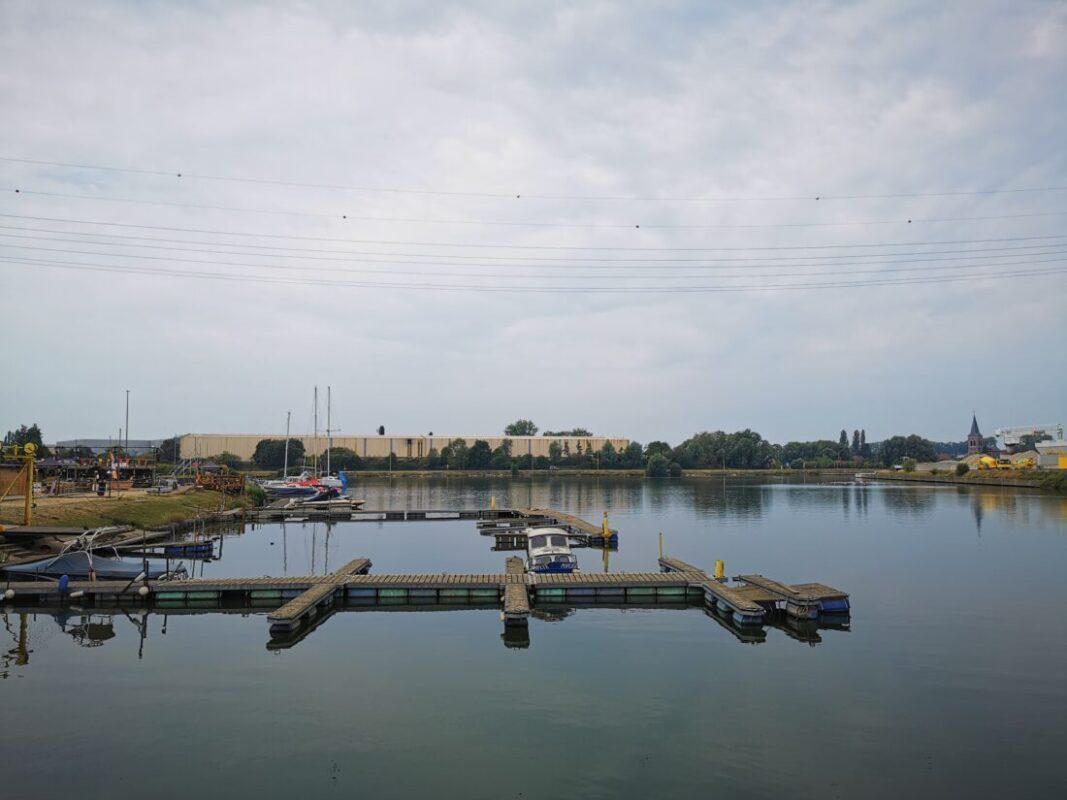 Blauwalgen vastgesteld: captatie- en recreatieverbod voor Zeekanaal en insteekdok