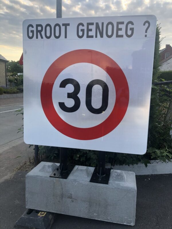 Snelheidscontroles zone 30.