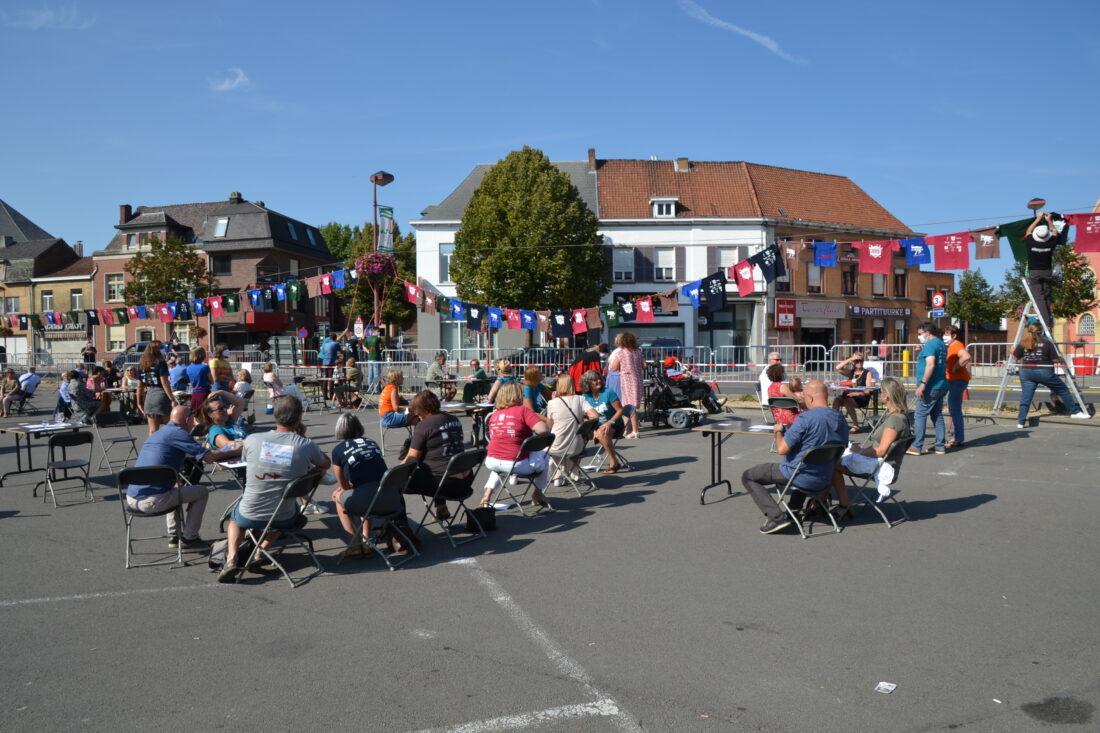 Hopduvelcomité verzamelde zondagnamiddag op Gemeenteplein