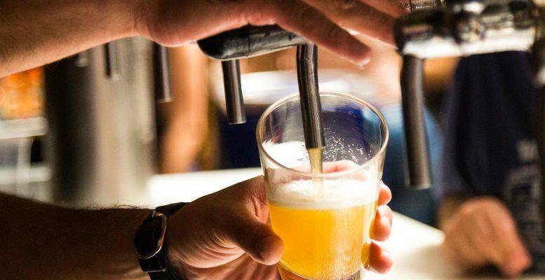 Cafés in Asse moeten de komende drie weken al sluiten om 23 uur