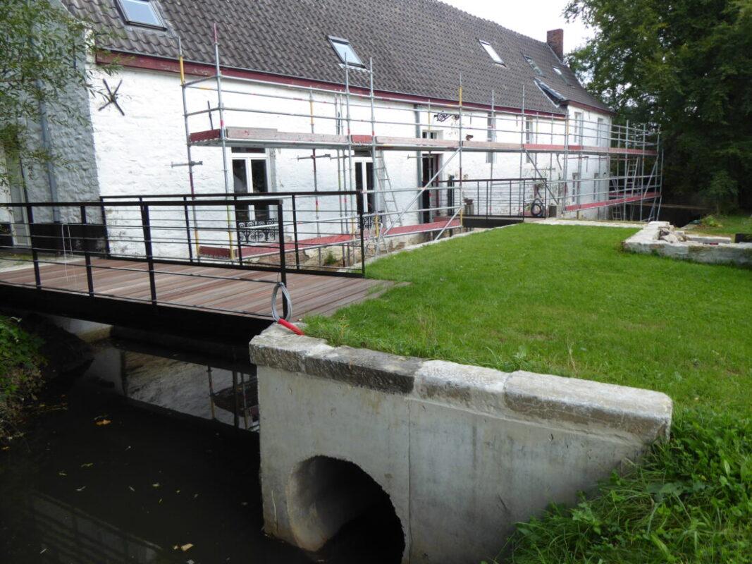 Oyenbrugmolen in de steigers met oog op hernieuwbare stroom