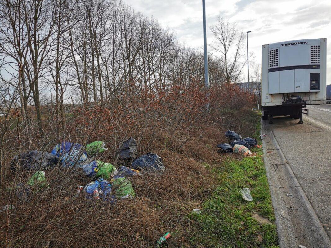 Parkeerverbod op til na aanhoudende sluikstorten in bedrijvenzone Cargovil