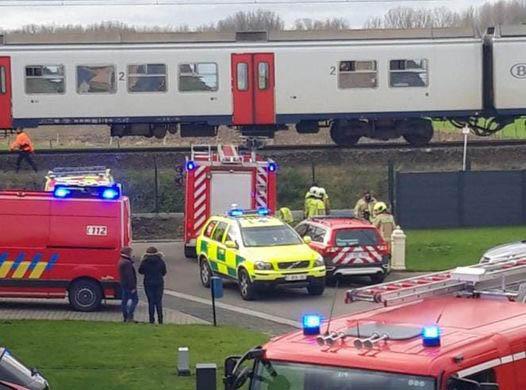 Jonge man belandt onder trein in Merchtem