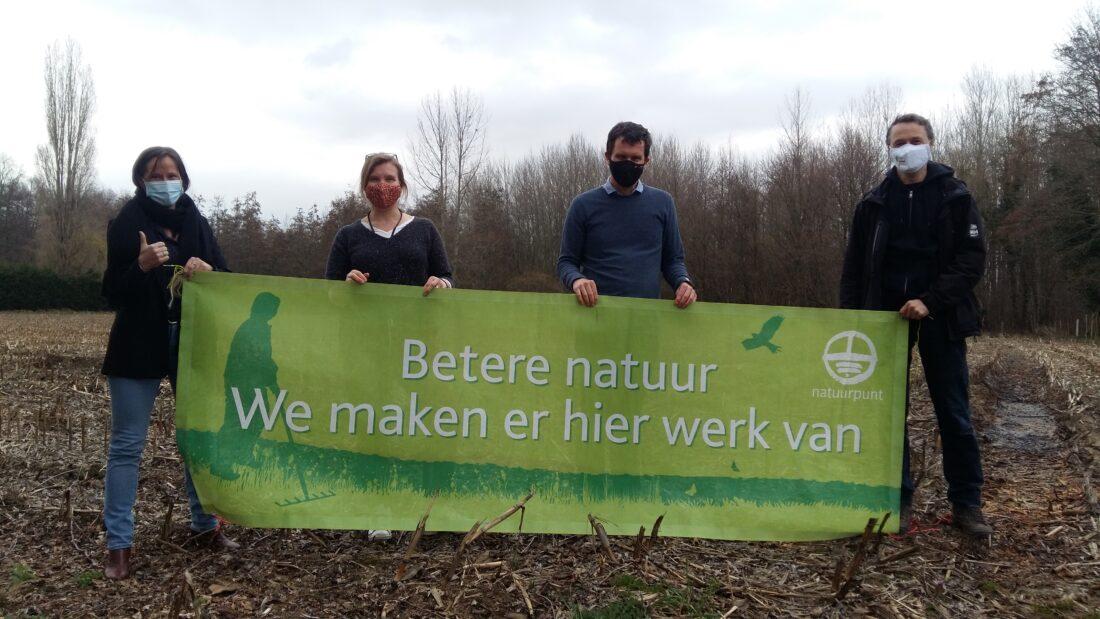 IJsfabriek Strombeek geeft gemengd loofbos en akker in beheer van Natuurpunt