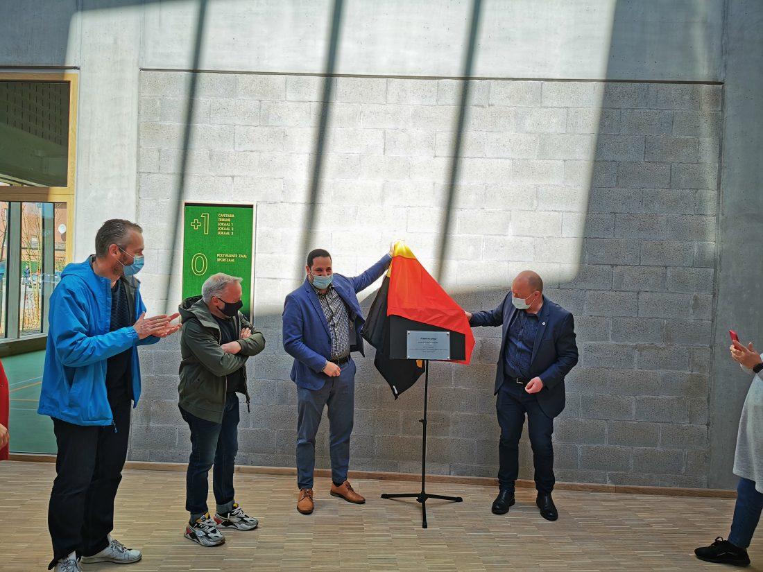 Gloednieuw sport- en cultuurcomplex .K officieel geopend in Koningslo