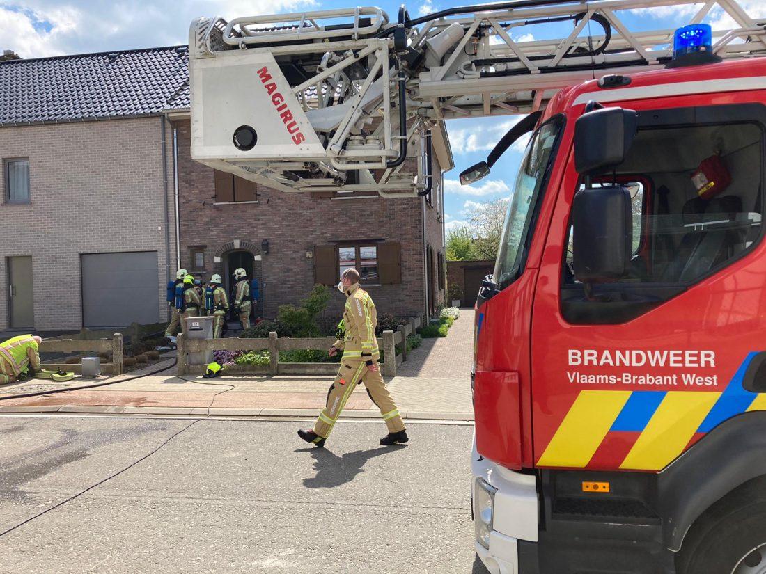 Arbeider zwaargewond na ontploffing elektriciteitskast