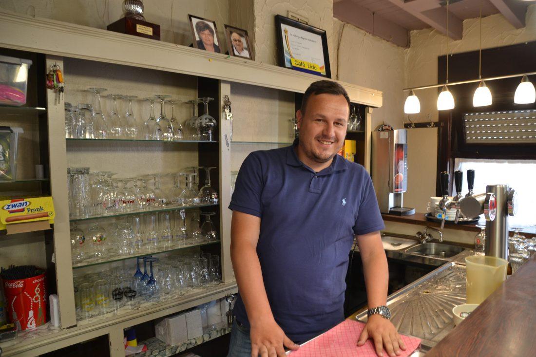 Café Lido heropende met nieuwe uitbater Kristof Pede achter de tapkraan
